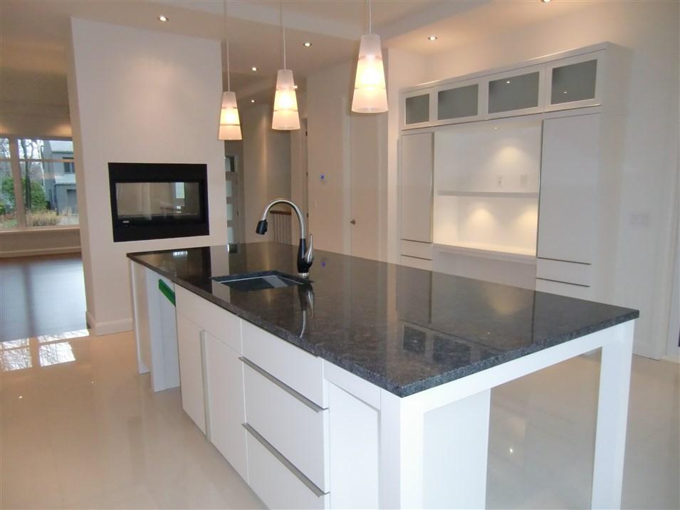 r alisations de style moderne sp cialit m m. Black Bedroom Furniture Sets. Home Design Ideas